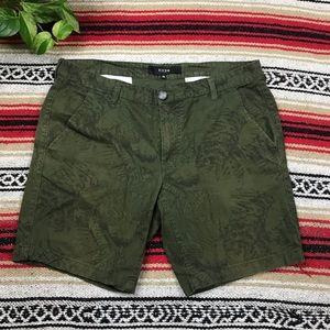 Hype Men's Green Flat Front Shorts Sz. 36